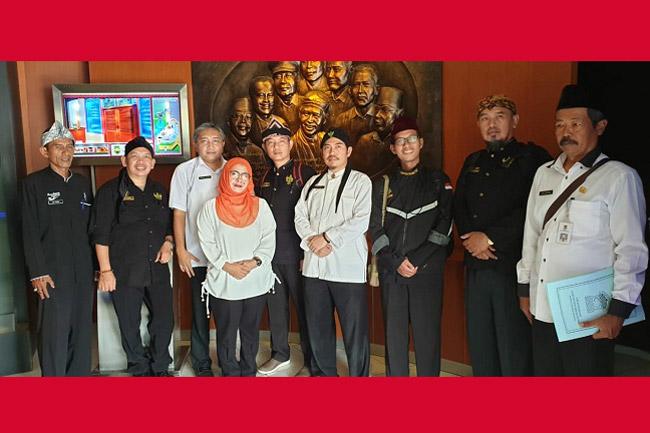Dinas Perpustakan dan Arsip Kab Tangerang Studi Banding ke Diorama Purwakarta